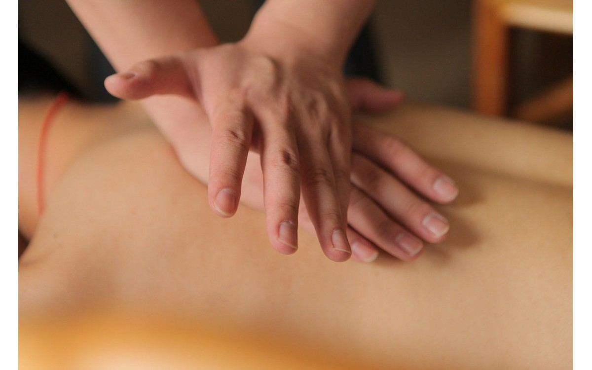 Классический массаж спины (1 день) (Дистанционно)